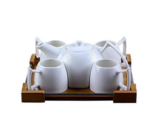 kettle-and-ceramic-cup-4-people
