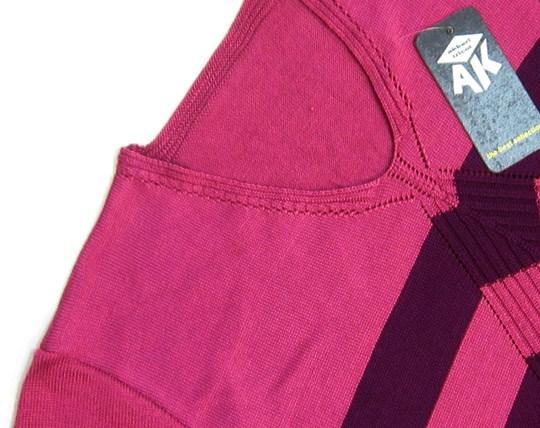 t-shirt-collar-texture-of-seven-ak