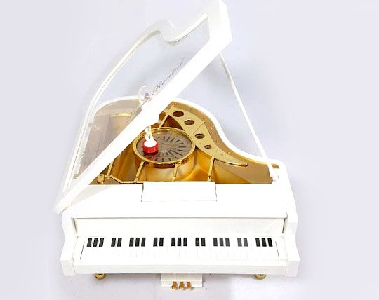 piano-and-classical-musical-gramophone