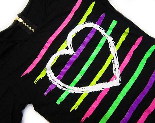 t-shirt-behind-the-zipper-star-tak