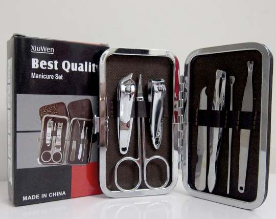 manicure-set-and-nail-pedicure