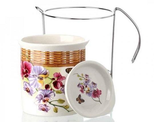 single-ceramic-spoon