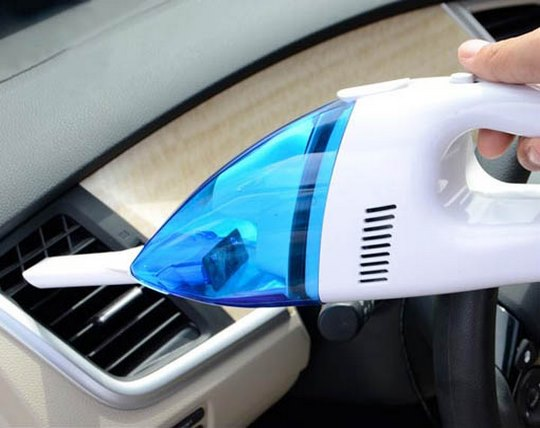 car-vacuum-cleaner