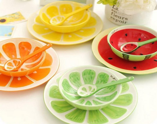 set-of-fruit-plates