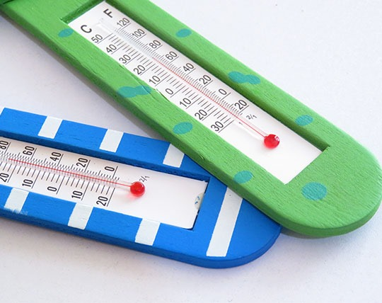 wooden-thermometer