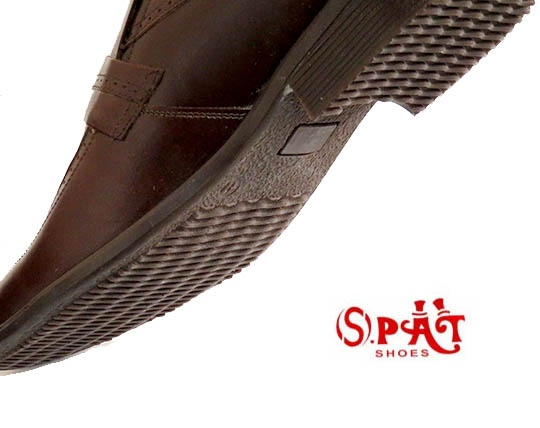 classic-men-shoes-with-natural-leather-spat