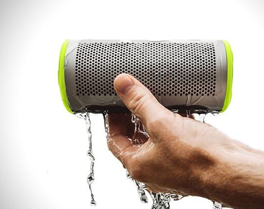 braven-stryoe-360-waterproof-bluetooth-speakerphone
