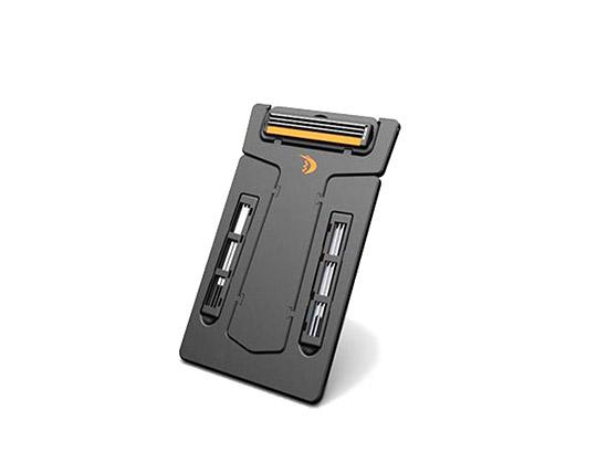 carzor-card-blade