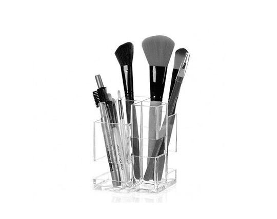 lux-box-cosmetics-stand