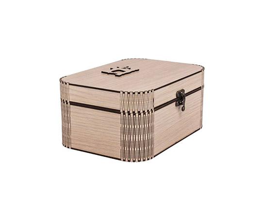 sets-of-yarns-and-needles-wooden-box